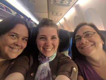 Carla Luna Cullen, Molly Maka and Lori Oestreich on their way to RWA Nationals